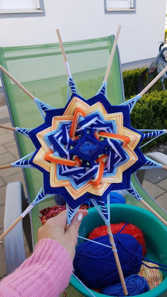 Kreativ mit Mandala, 12-zackige Stern