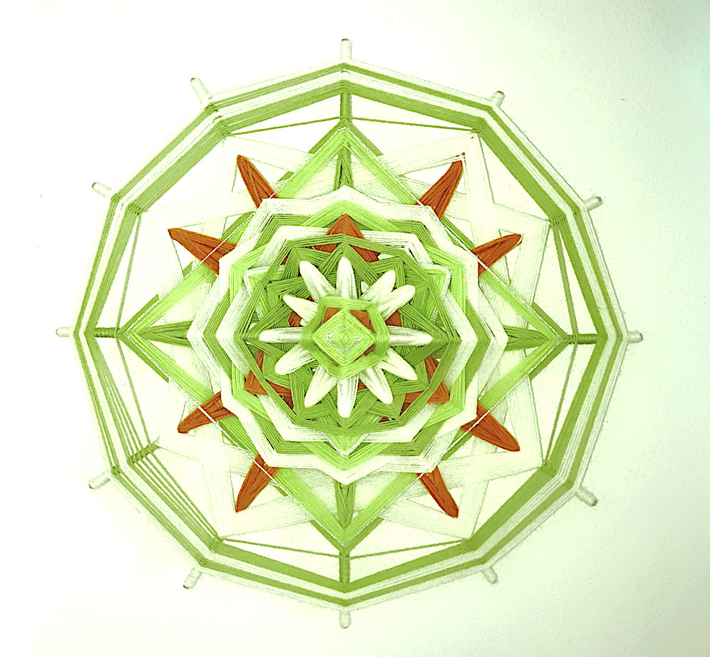 Kreativ mit Mandala, grüne Wiese