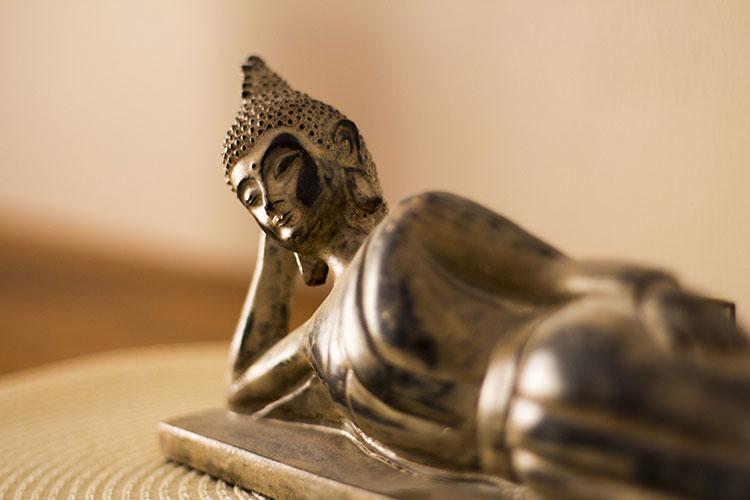 Buddha Statue liegende, kreative psychologischen Beratung von Irina Hempel