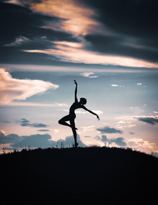 Leichtigkeit in eine Frau, Maya Shakti Tanz