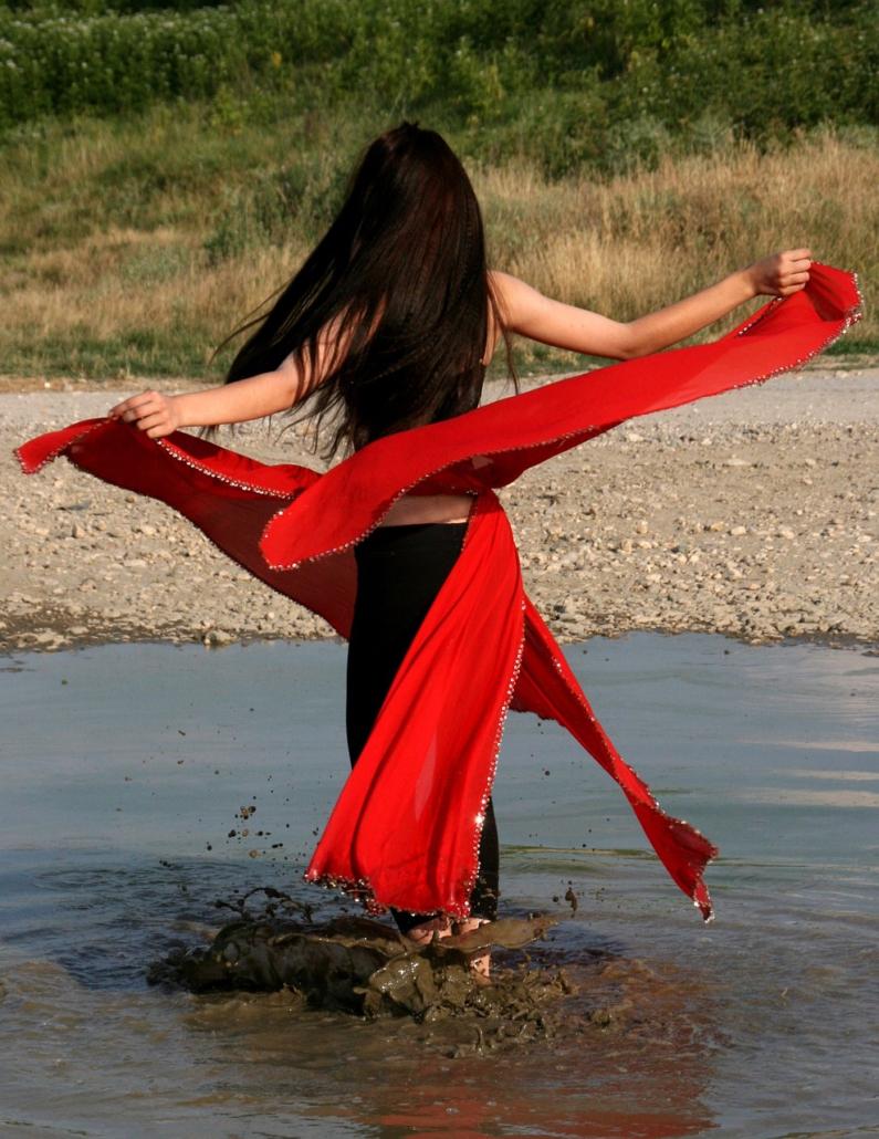 Verbinde dich mit Wasser, Maya Shakti Tanz von Irina Hempel