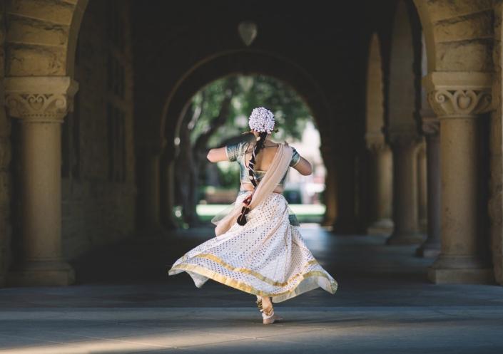 Maya Shakti Tanz, Hindi Tanzen