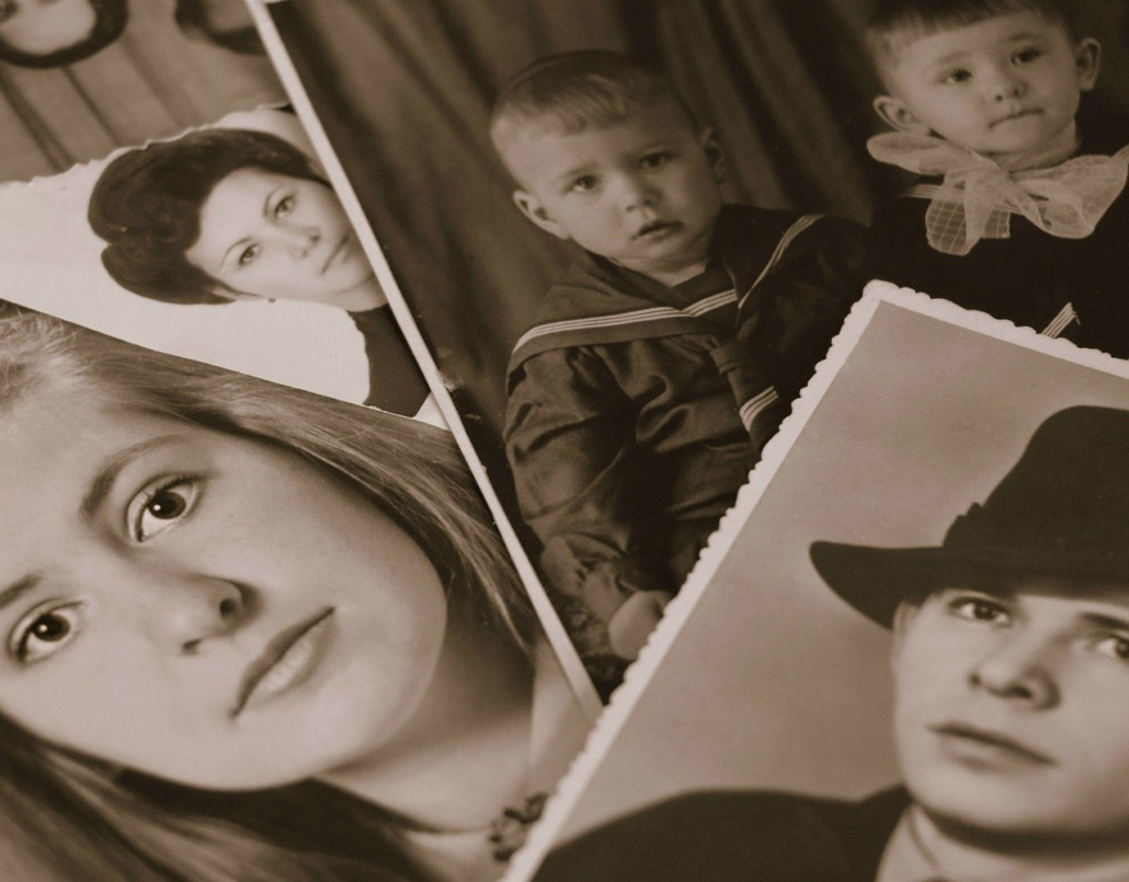 Alte Familien Fotos, Familienaufstellung